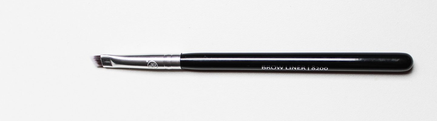8200 Brow Liner Brush
